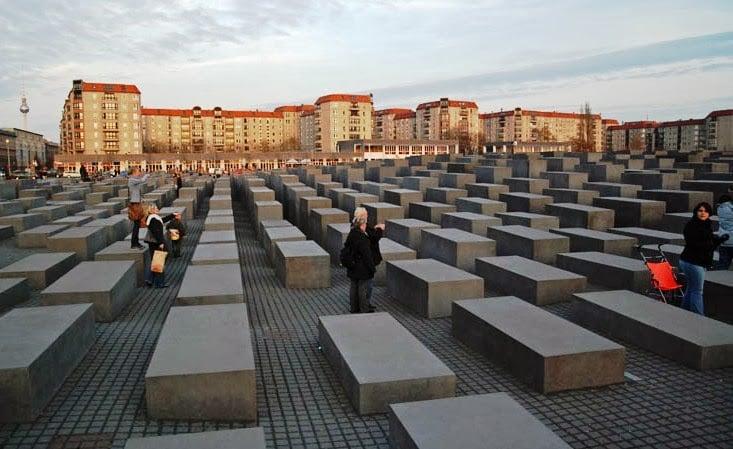 Visita ao Memorial do Holocausto em Berlim
