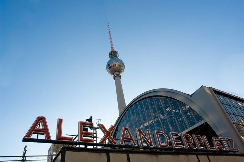 Como chegar à Torre Berliner Fernsehturm