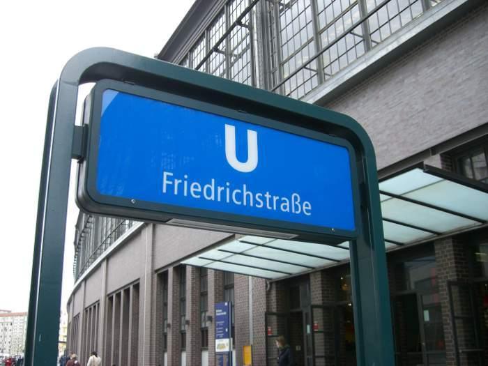 Como chegar à Rua Friedrichstrasse