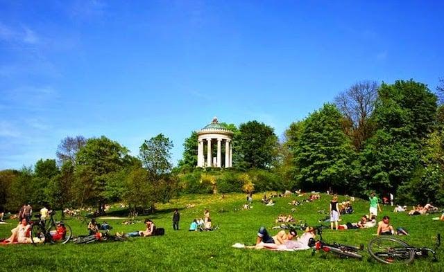 Jardim Inglês em Munique na primavera