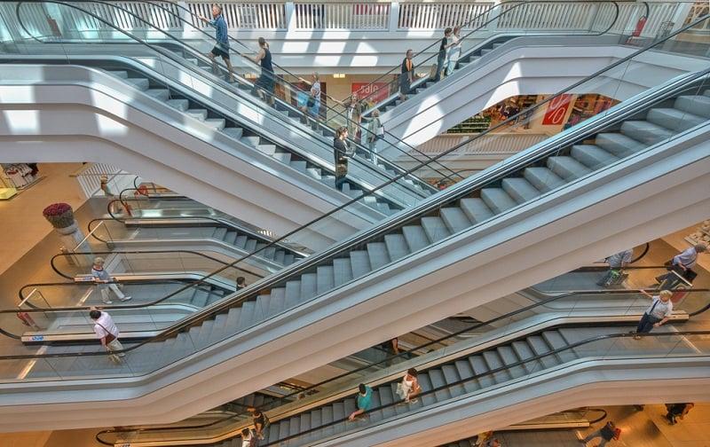 Interior do shopping em Berlim