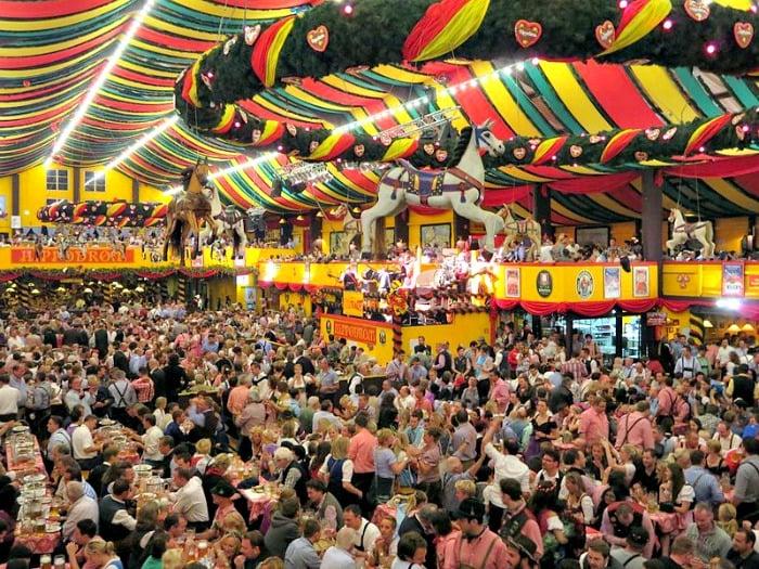 Tendas na Oktoberfest em Munique