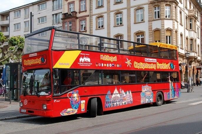 Passeio de ônibus turístico em Frankfurt