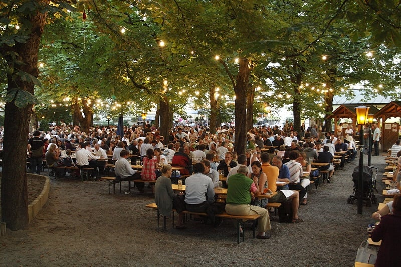 Biergarten em Munique