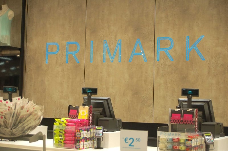 Caixas na loja Primark em Berlim
