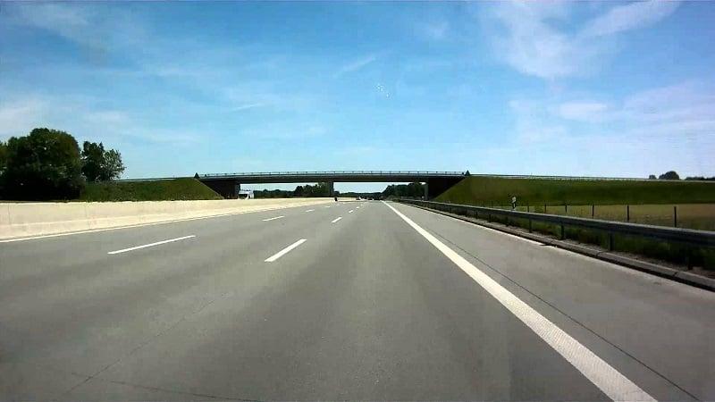 De carro de Colônia até Hamburgo
