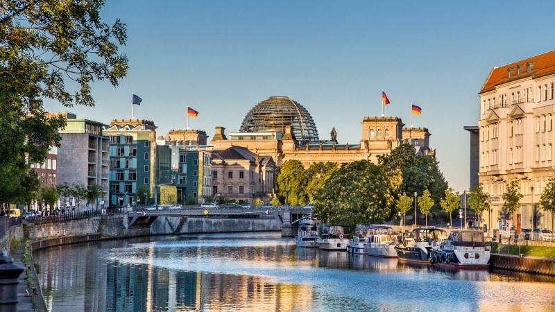 Vista do Palácio Reichstag em Berlim