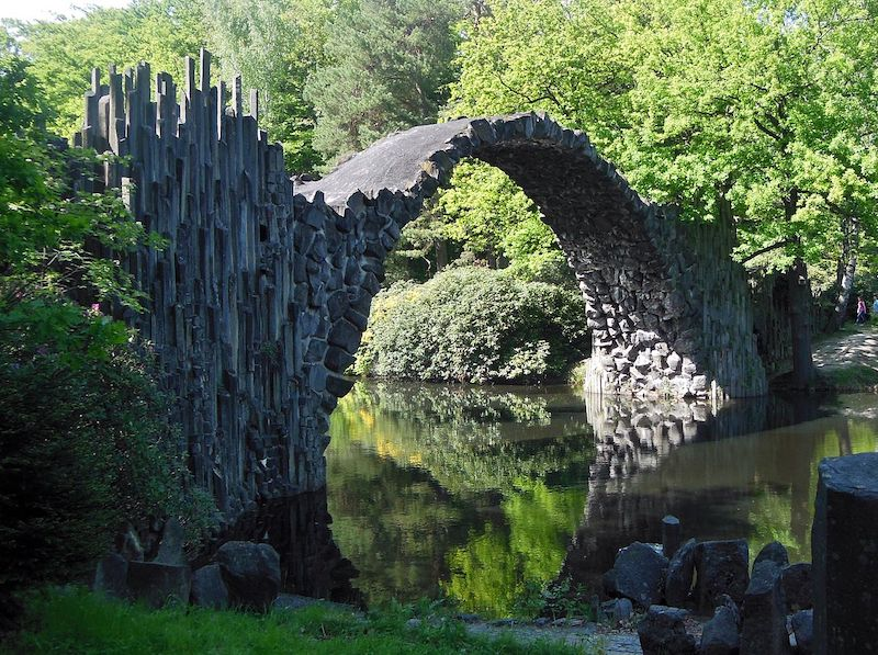 Área da Ponte do Diabo em Kromlau
