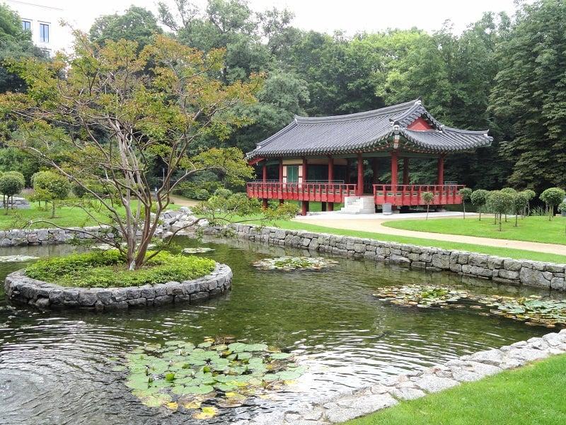 Jardim Coreano no Grüneburgpark em Frankfurt