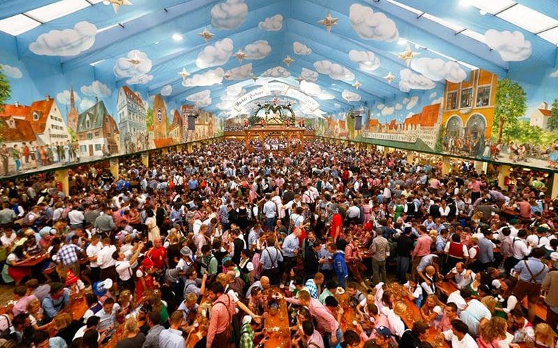 Como é a Oktoberfest na Alemanha