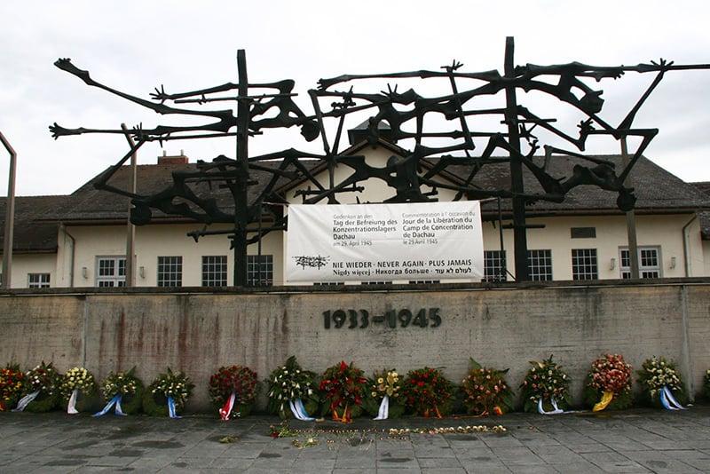 Homenagens aos prisioneiros do campo de concentração de Dachau