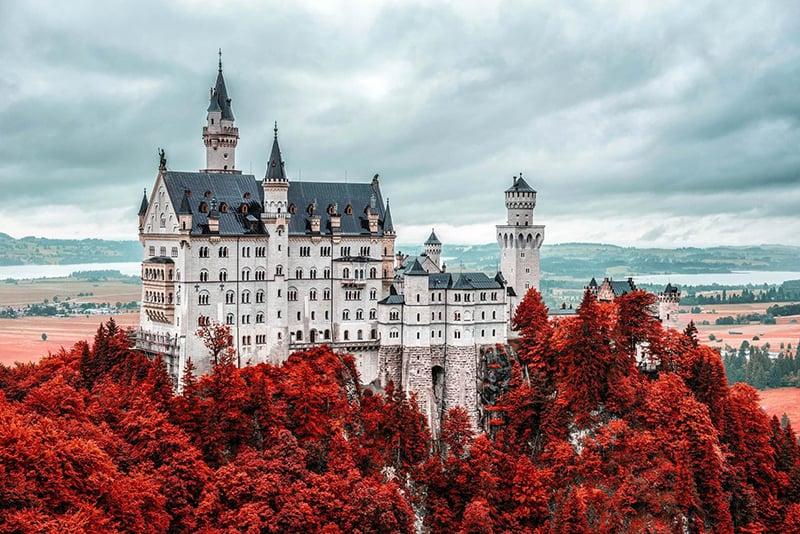 Lateral do castelo de Neuschwanstein na Baviera