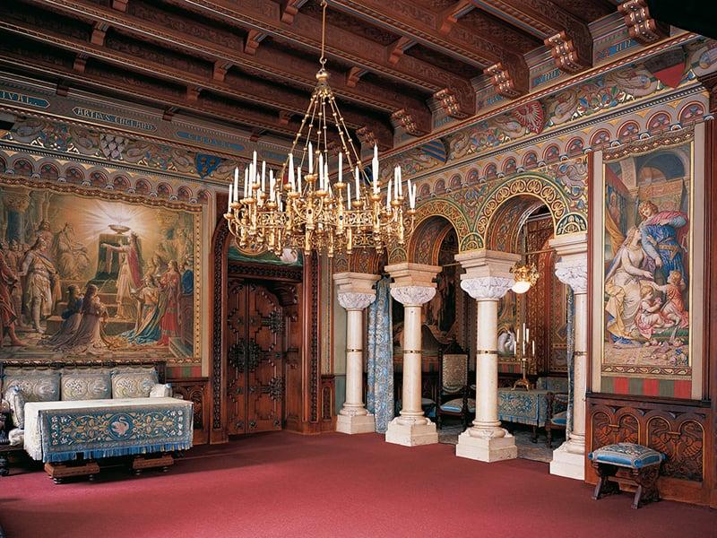 Interior do castelo de Neuschwanstein na Baviera
