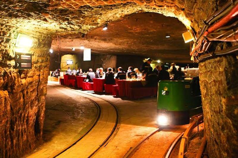 Transporte no interior das Minas de Sal de Berchtesgaden em Munique