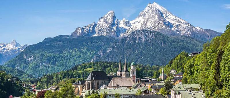 Montanhas do Ninho da Águia em Munique