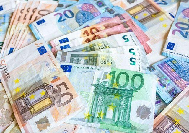 Dinheiro em Colônia