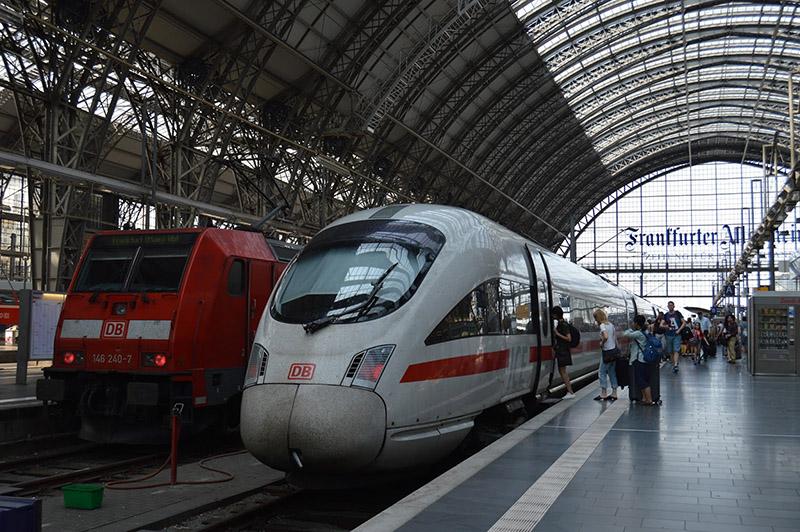 Trens em Frankfurt