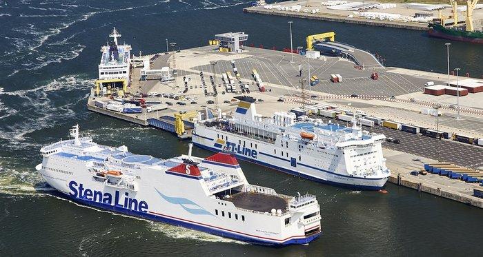 Porto de ferry boat Rostock na Alemanha